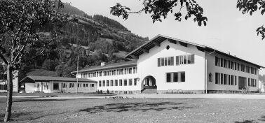 Fertigstellung Burschenschule