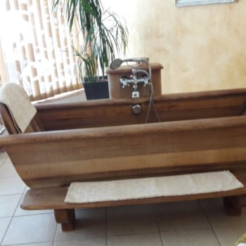 Holzbadewanne im Hotel Sonnbergof