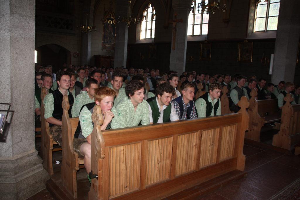 Absolventen in der Kirche